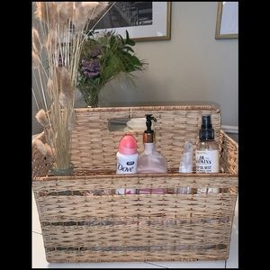 Storage wicker basket